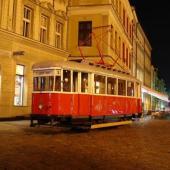 Tramvaj na náměstí E. Beneše