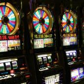Hrací automaty, zdroj: Wikipedia