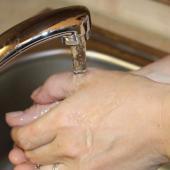 Ilustrační obrázek - mytí rukou, autor: Petr Vitvar