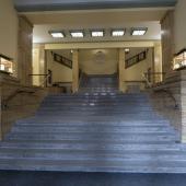 Schodiště s lucernami, autor: Michal Vele